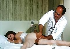 Chilling Doctoresse A De Gros..