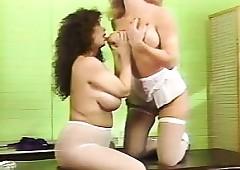 Preggie Nursing Boobquake -..