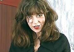 Diana Wynn chubby breast